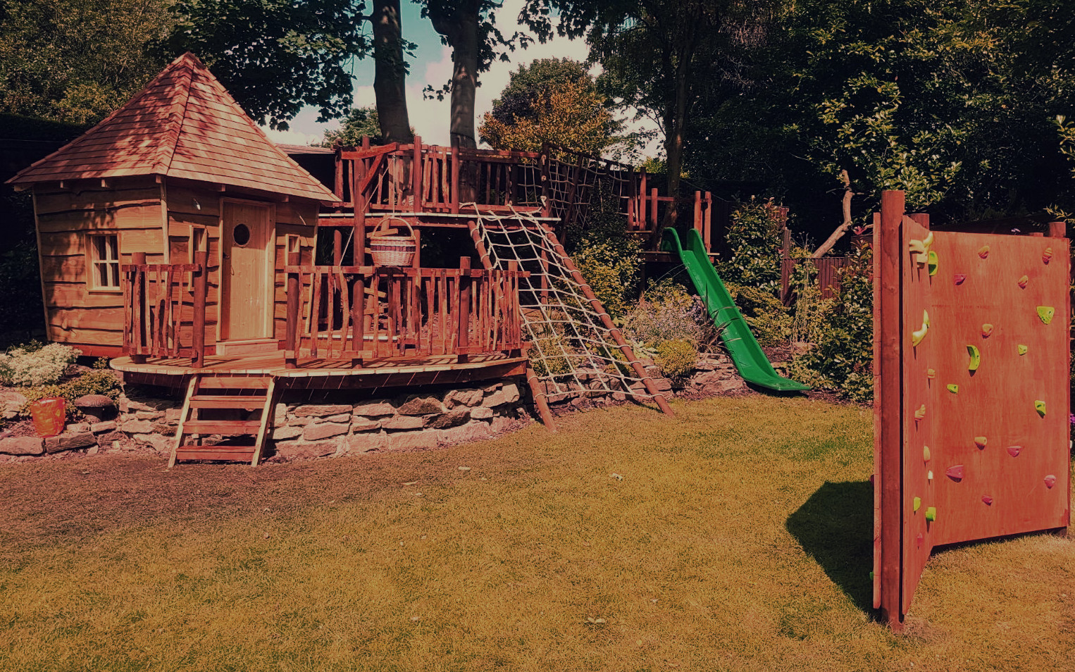 Garden Play Area – Squirrel Design